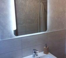 Salle d'eau du rdc miroir Néo