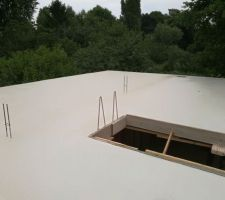 plancher beton en cours de sechage