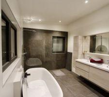Salle de bain quasi terminée