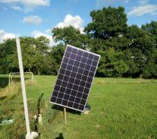 Tracker solaire a base de bras motorisé de parabole