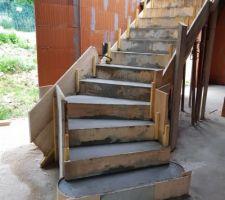 Coffrage et coulage de l'escalier principal