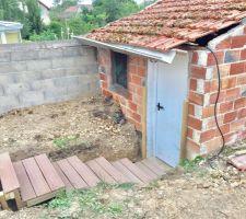 Création d'escaliers vers la cabane de jardin