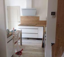 Installation et assemblage du mobilier de la cuisine
