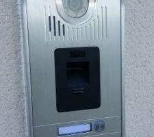 Platine de rue à empreinte digitale SOMFY V600