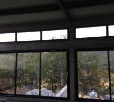 baies vitrées de la SAM et Séjour de l'intérieur