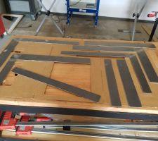 Caches en metal réalisé  à la côte  puis ajuster une foi le cadre en place pour masquer le retour du plancher et placo et une finition impecabble