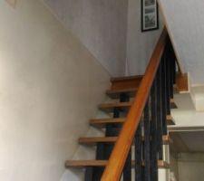 Escalier droit gain de place en bois