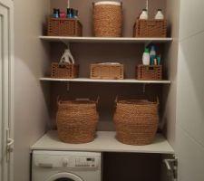 Il ne manque plus que le sèche linge et les baguettes de finitions d'encadrement de la porte.