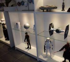 Le couloir se transforme en musée Star Wars