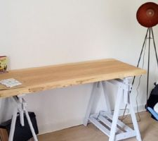Bureau en bois brut