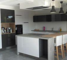 Et la cuisine avec l îlot remis dans le bon sens c est mieux!!!