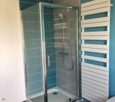 Salle de bain, douche en cours