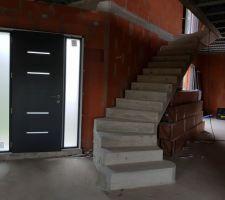 Installation des menuiseries : la porte d'entrée, vue intérieure