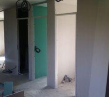 Cloisons et portes intérieurs à mi parcours  à l'étage