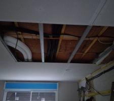 Retrait plaque de fermacell pour repositionnement les câbles des luminaires