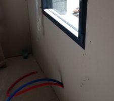 Pompe air eau distribution pour les radiateurs chambre