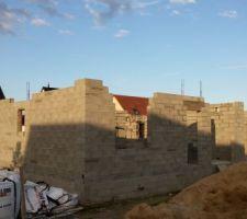 Photo du chantier à 1 semaine du début de l'élévation des murs