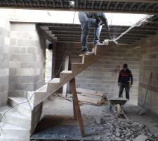 Démolition de l'escalier non-conforme