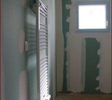 Sèche serviettes Cloisons prête à peindre, et prises/interrupteurs