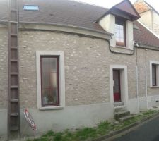 Vu façade et toiture en attendant gouttière
