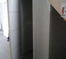 Cloison wc rdc et espace sous l'escalier