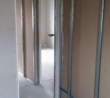 Couloir avant chambre