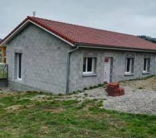 Fenêtres posées : La maison est