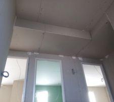 Plenum au niveau du palier pour alimenter en air chaud les chambres. système RIBO.