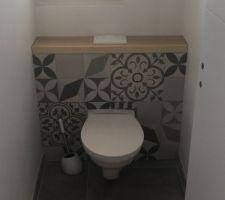 WC suspendus carreaux de ciment