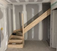 Escalier tout juste posé