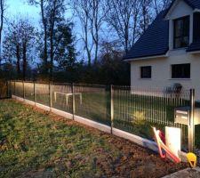 Pose clôture sur le devant de notre terrain (CLÔTURES DE SEINE)