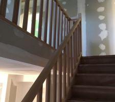 Pose de l'escalier terminée !! ?
