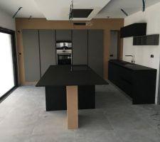 Cuisine noir et grise / Signature cuisines
