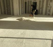 Isolation thermique par polyuréthane au sol