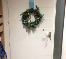 Couronne de Noël en place côté intérieur