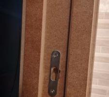 Absence de joints sur la porte à galandage