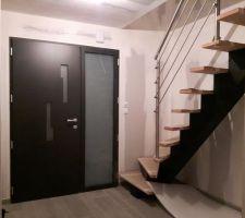 L'entrée avec l'escalier