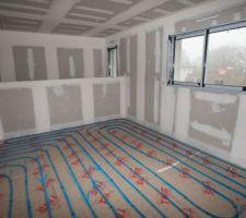 Pose du plancher chauffant - Vue de la mezzanine