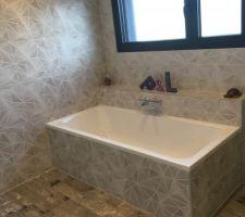 Salle de bain : baignoire 180x80