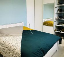 Vitres vitrine posées et lit installé !