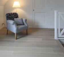 Portes choisies pour l'étage  porte en bois laquées en blanc