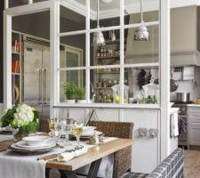 Voici notre inspiration pour isoler la cuisine du salon, la verrière sera collée au futur ilot  celle-ci sera blanche en bois et faite par Monsieur ;)