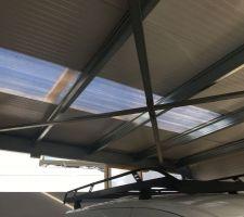 Puit de lumière en polycarbonate dans le garage