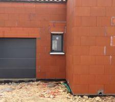 Vue d'ensemble - porte de garage et d'entrée