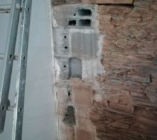 Remise à plat du mur de pierre intérieur