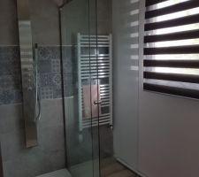 Salle d eau parentale avec rideaux jour/nuit