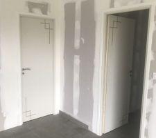 Porte chambre et couloir