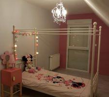 La chambre de notre petite grande princesse est terminée. Il reste l'aménagement...