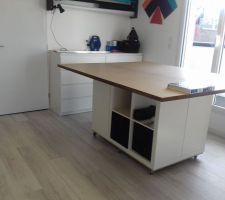 Atelier de l'étage : la table de travail !