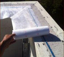 Jonction Mur béton/membrane d'étanchéité à l'air toiture.